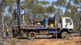 Fraser Range Heats Up: $18M GAL Closely Tracking Big Brother $158M LEG